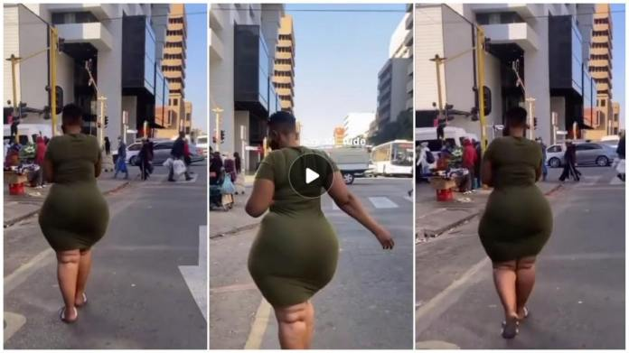 Lady Caus3s Massive Comm0tion On The Street With Her H3avy Backs!de [Watch Now]